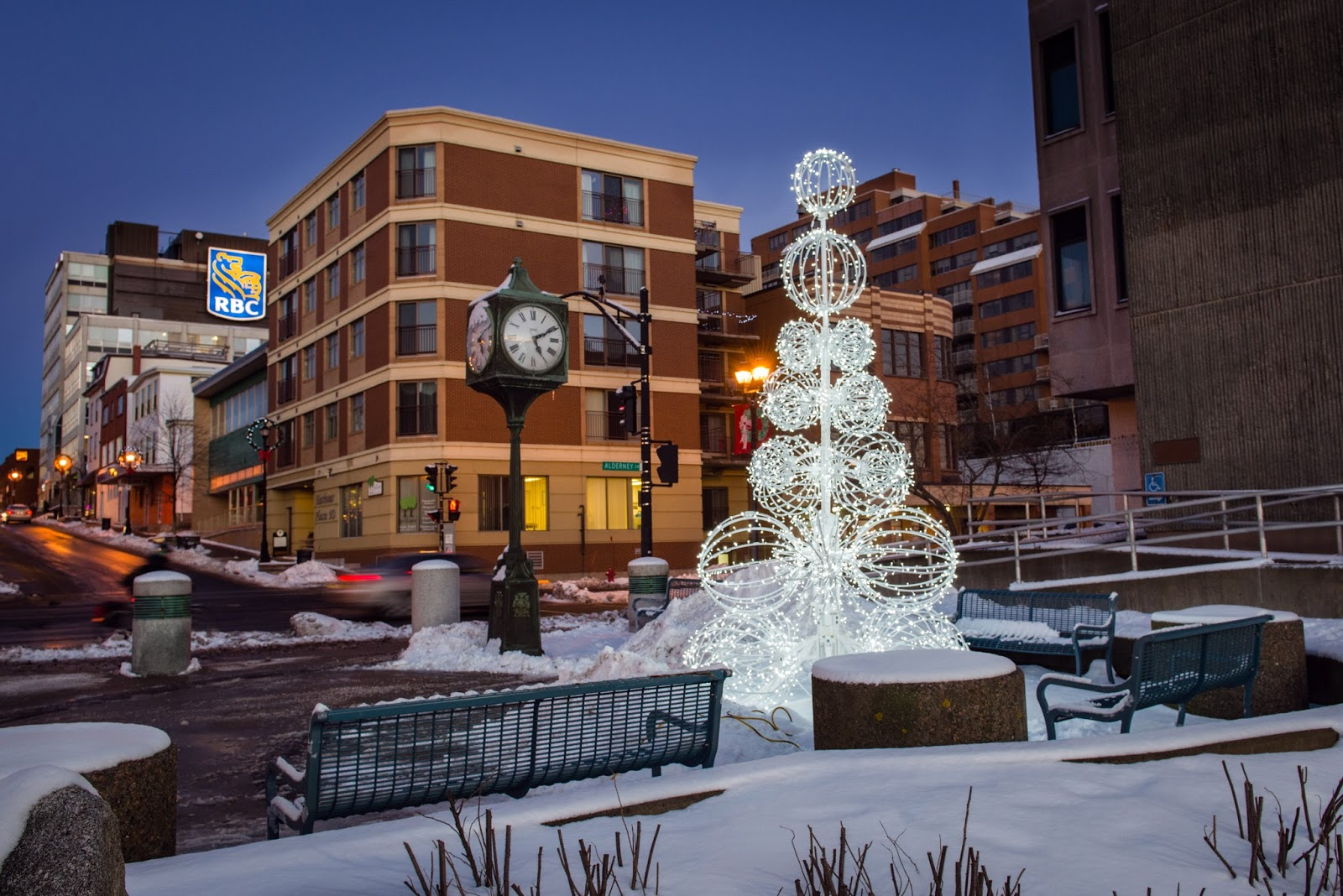 20130101-downtowndecorations-06