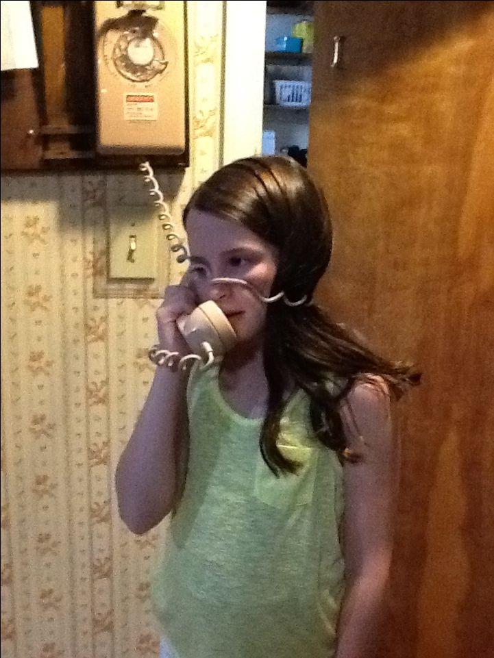 3f635ff0e340055f44c2cfe7394f19da--old-phone-on-the-phone
